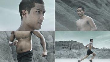 跑步爬山塑身的帅哥视频素材