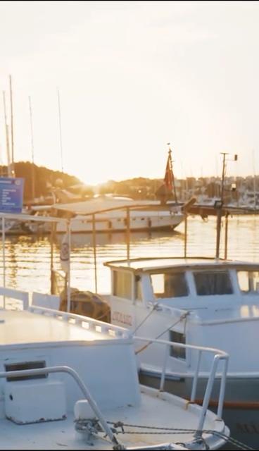 海边的游艇视频素材