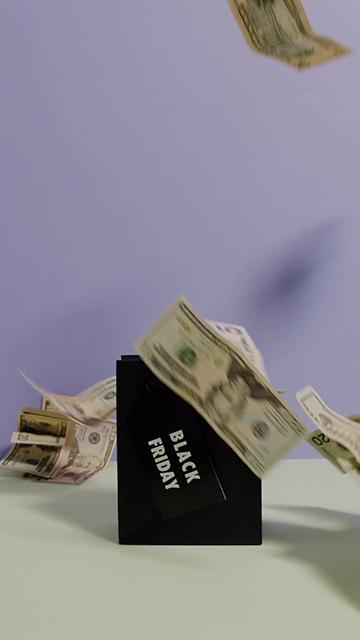 礼物盒上空美金掉落竖屏视频