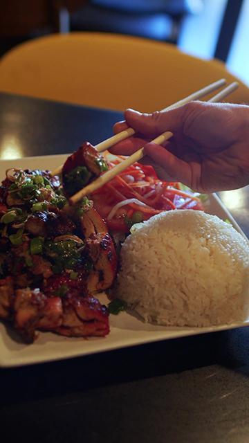 中国餐厅的饭菜竖屏