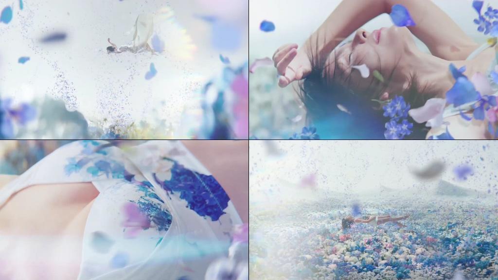 美女坠落到花海视频素材