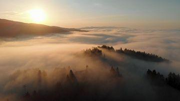 4K云层之上的日出视频素材