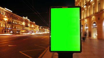 夜景街道上的广告牌绿幕视频素材