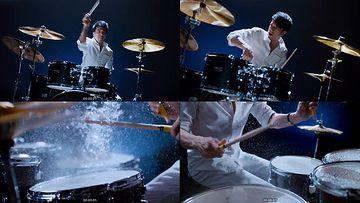 打鼓的男人玩音乐视频素材