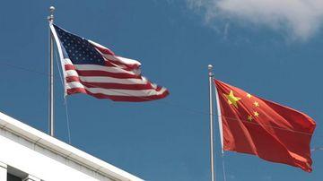 4K超清中美国旗迎风飘扬视频素材