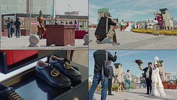 新疆车站公园里的游客视频素材
