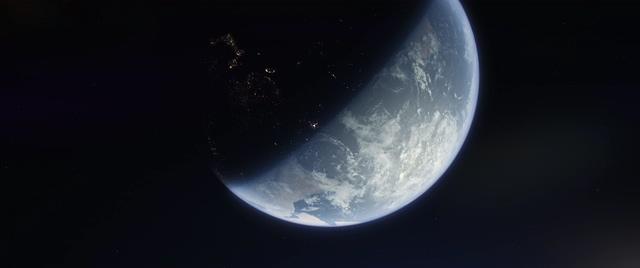 4K阳光扫过地球表面正上方视频