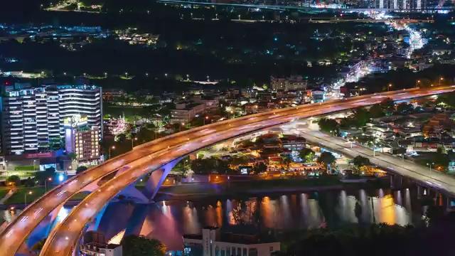 夜景城市立交桥上的车流视频素材
