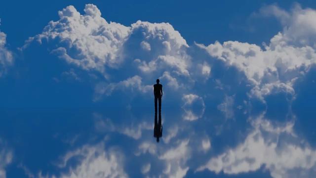 天空之境一个男人的剪影视频素材