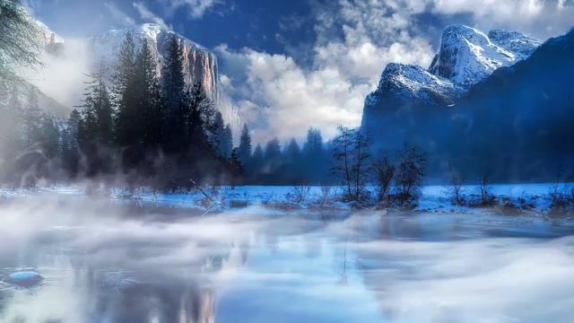 湖面上的云雾视频素材