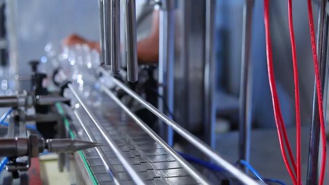 蜂蜜饮料生产线灌装视频素材免费下载